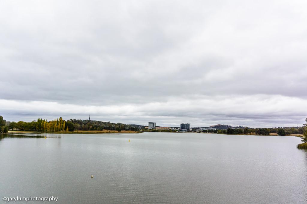 It's gloomy around the lake